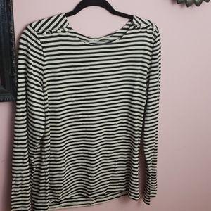 Striped anne klein top with shoulder button detail